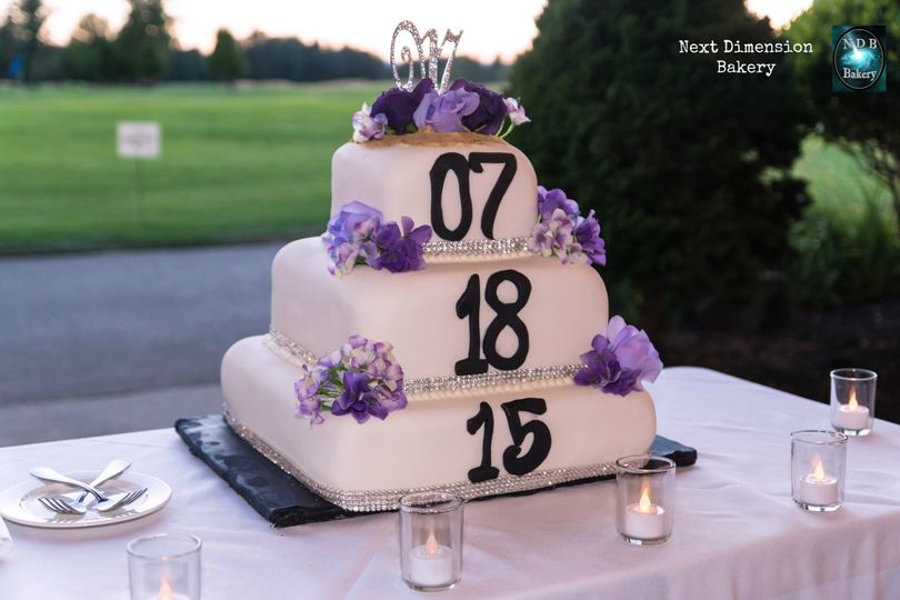 800x800 1471410120432 weddingdatecake1nextdimensionbakery
