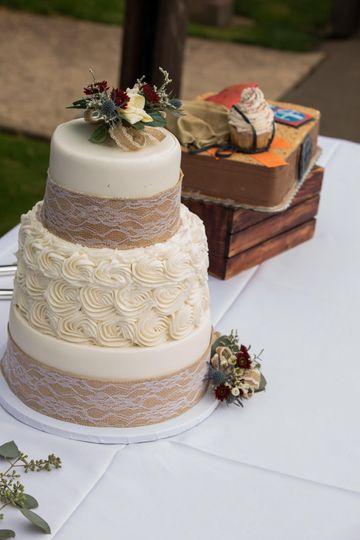 Wedding cake and Groom's cake