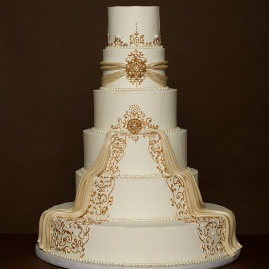 Beautiful cake with gold design