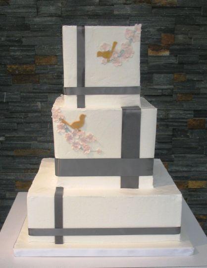Gift inspired cake design