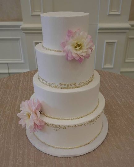 Simple white cake with flower decor