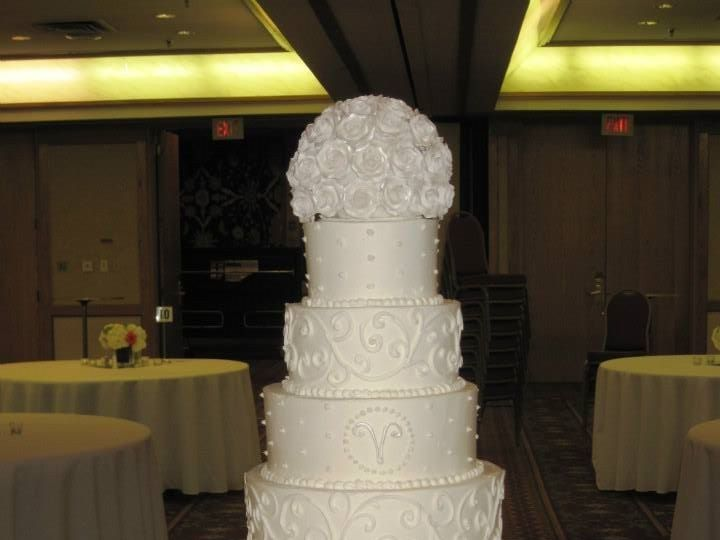 Tmx 1460290036850 Bridal16 Dallas, Texas wedding cake