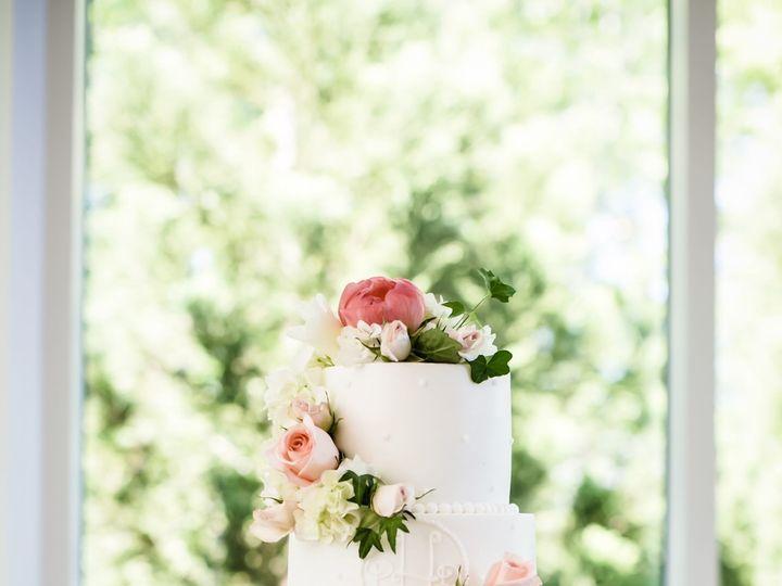 Tmx 1524093706 F676ff7605984b7b 1524093704 22c63a8b38ae95f7 1524093699567 16 Cake Duluth, GA wedding florist