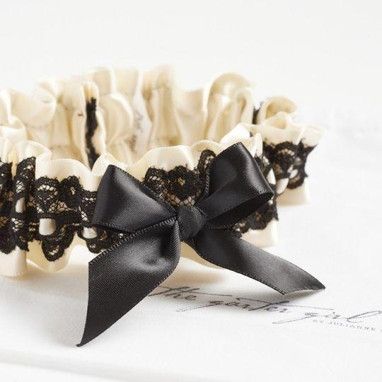 elegant wedding garter the garer girl 2 800x800