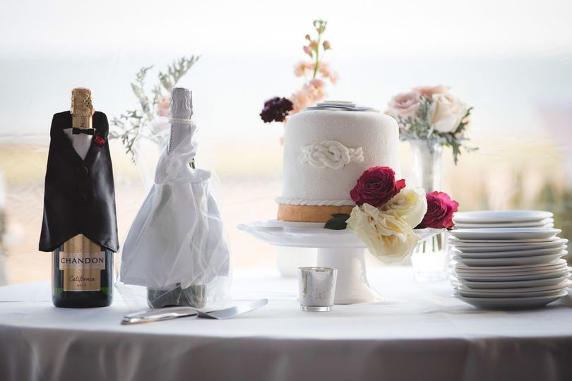 Sample cake table