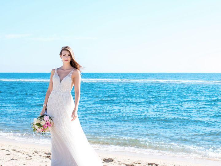 Tmx 1523991328 4809c56850eec03c 1523991327 Dd698ee7f451f09b 1523991318537 2 Flowy Wedding Dres New Ulm wedding dress