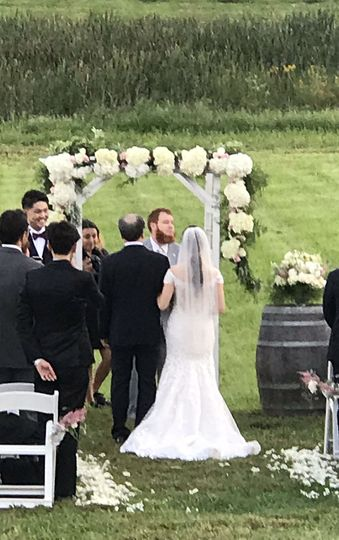 September 22nd 2018 ~ Vows and Vines provided Coordination Services, Florals, Arch Rental & Flowers!