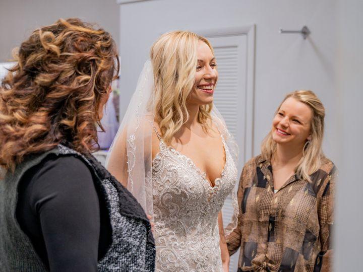 Tmx Unique Bridal Photos 7 51 639695 157773085882612 Auburn, MI wedding dress