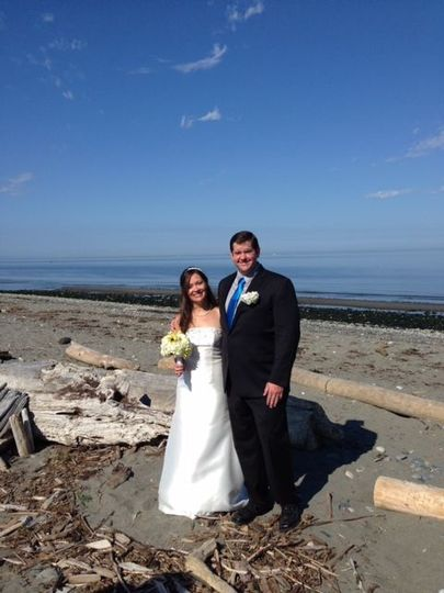 Lovely wedding on the beach