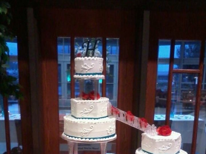 Tmx Img 1376 51 1915795 159070139795903 Fredericksburg, VA wedding cake