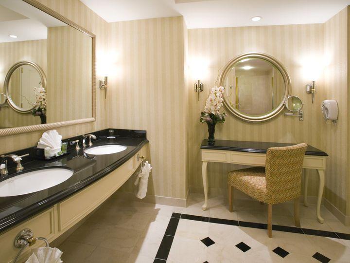 Tmx Rendezvous Tower Standard Bathroom Side Angle 51 727795 160737350725935 Atlantic City, NJ wedding venue