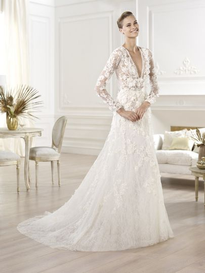 Elie saab couture dress attire weddingwire 800x800 1389053224235 birgit 800x800 1389053227659 crux junglespirit