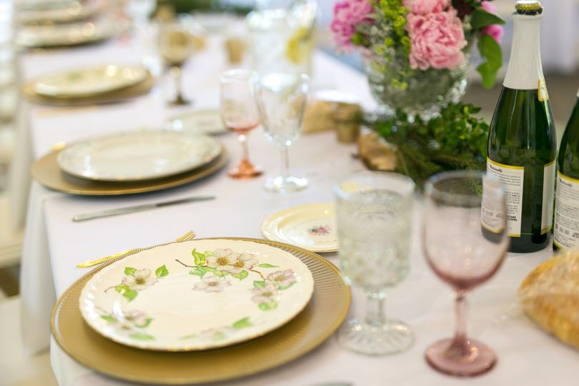 Head table with pink glassware