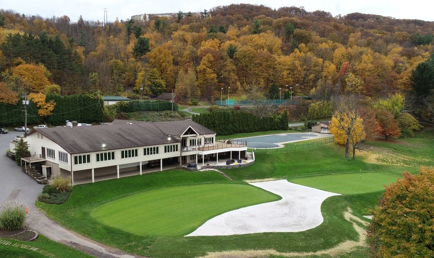 Clubhouse Fall