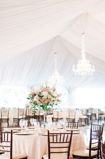 Table centerpiece | Aga Jones Photography