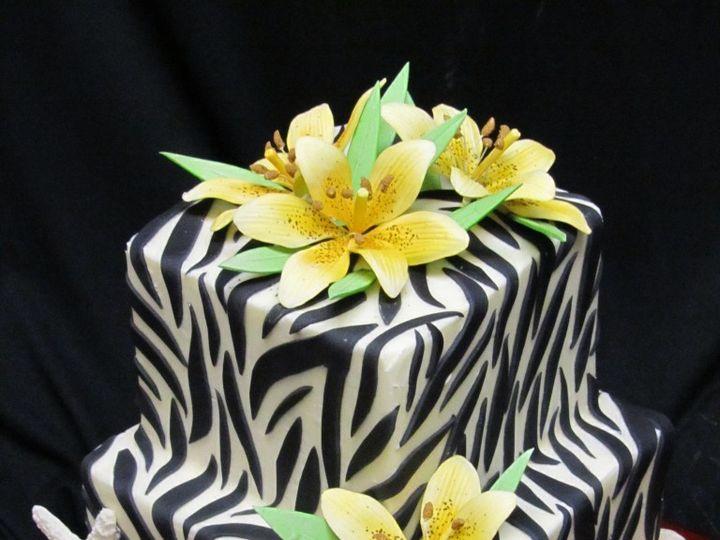 Tmx 1492793506464 Jan12011 069 768x1024 Greenwood, Indiana wedding cake