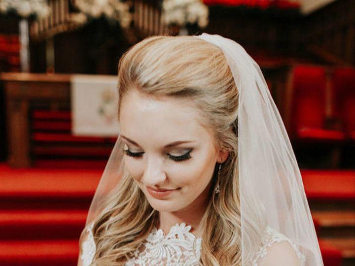 Tmx 1525121359 772578ee440b21ff 1525121357 861ac63cf398e8ce 1525121345695 2 0FD6F9E3 BF3C 420B Carmel, Indiana wedding beauty