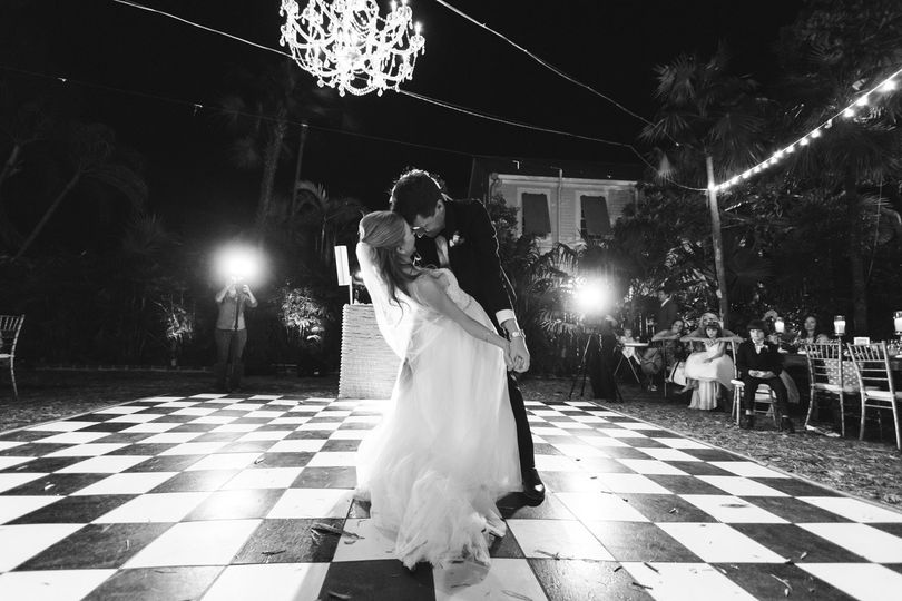 Dancing under the night sky - Knoxville Wedding Photography