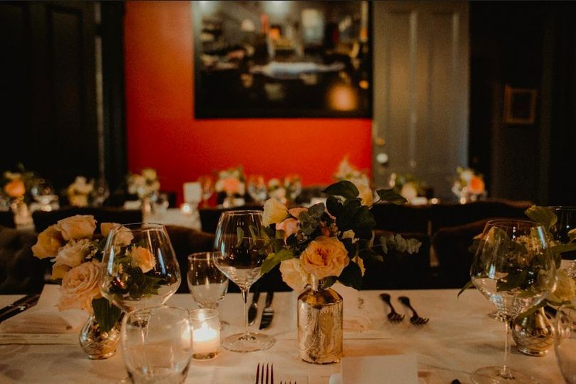 Table setting and flower decor