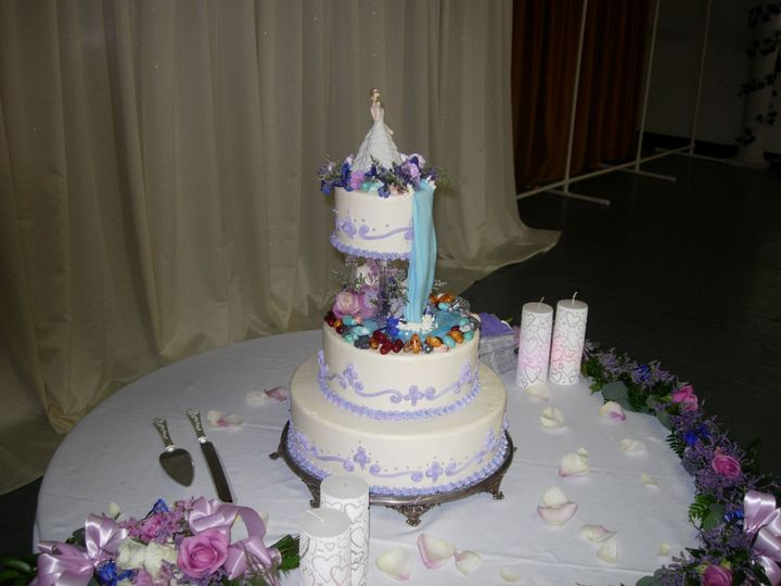 Tmx 1395643679119 Raindrop002 Port Angeles wedding cake