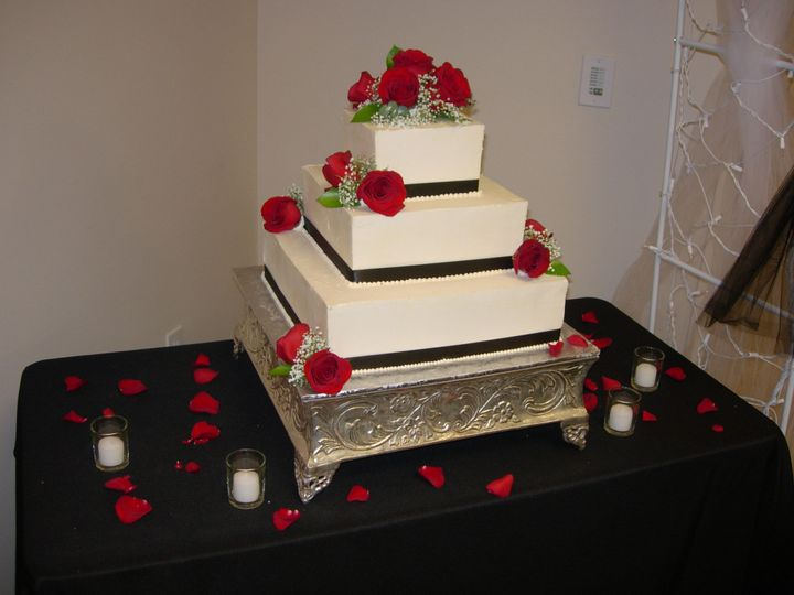 Tmx 1395643749973 Raindrop003 Port Angeles wedding cake