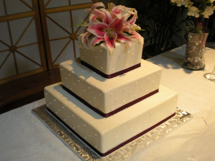Tmx 1395643907078 Raindrop004 Port Angeles wedding cake