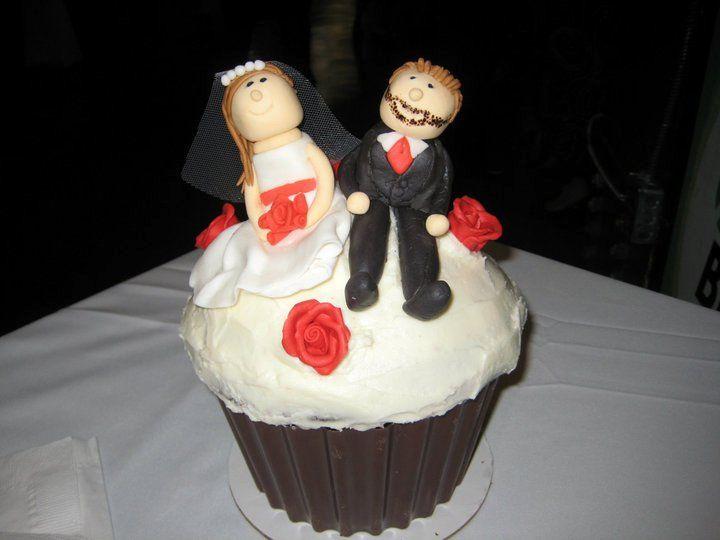 Tmx 1341579026806 Cupcake2 Lewisberry wedding cake