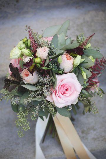 Lavish floral flowers quincy il weddingwire