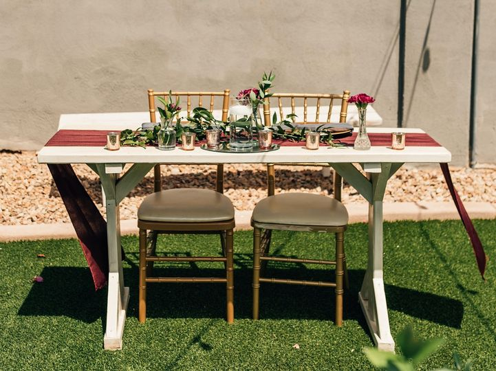Sweetheart Table On The Lawn