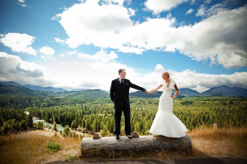 Wedding couple on the ridge