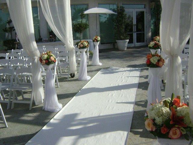 Tmx Aisle 04456 51 77995 157559220960301 Van Nuys, CA wedding florist