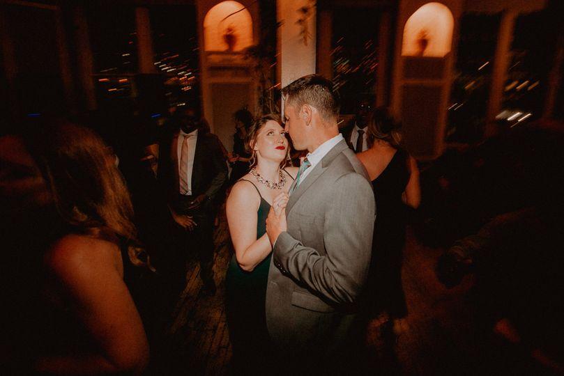 Couple dancing | Chellise Michael Photography