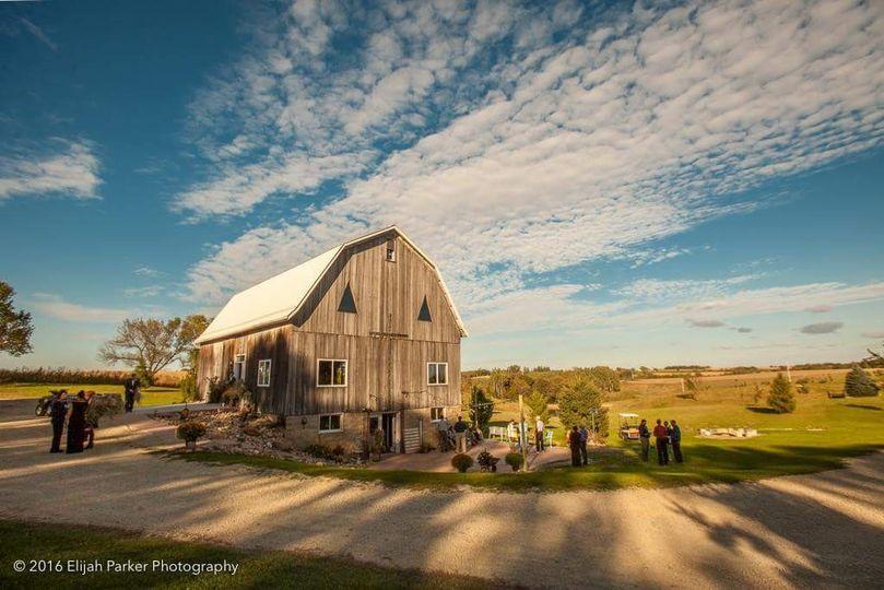 Pond View Barn