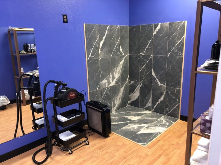 Custom airbrush spray tan room