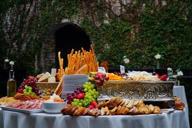 Tuscan Table station