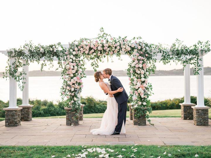 Tmx Kelseyandseanwedding 696 51 913006 158336653061409 East Greenwich, RI wedding florist