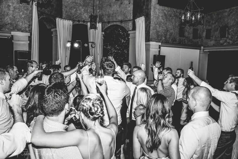 Packed dance floor at Gervasi Vineyard!