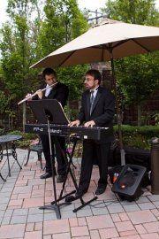 Light instrumental jazz music for cocktails