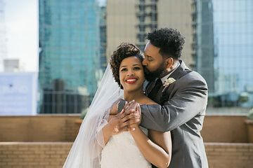 Weddings by Lisa Yarbro