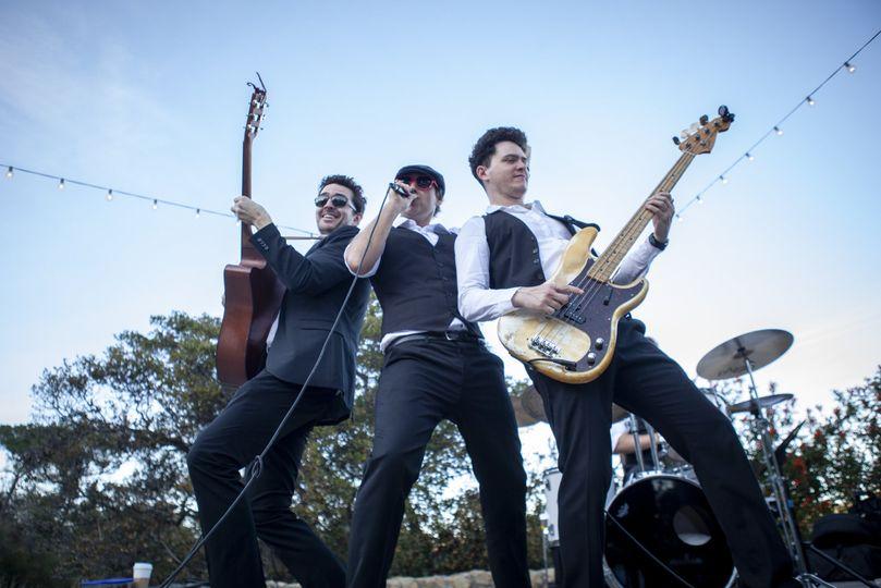 The Straytones live!