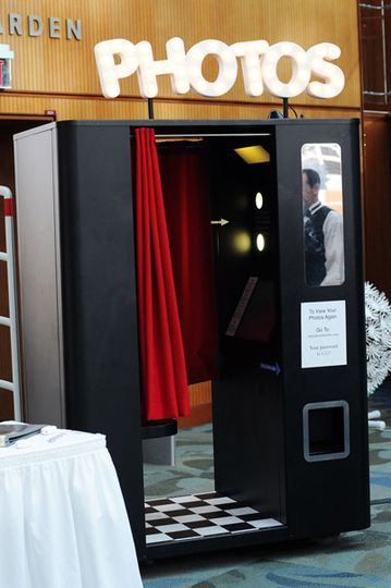 Premium steel photo booth