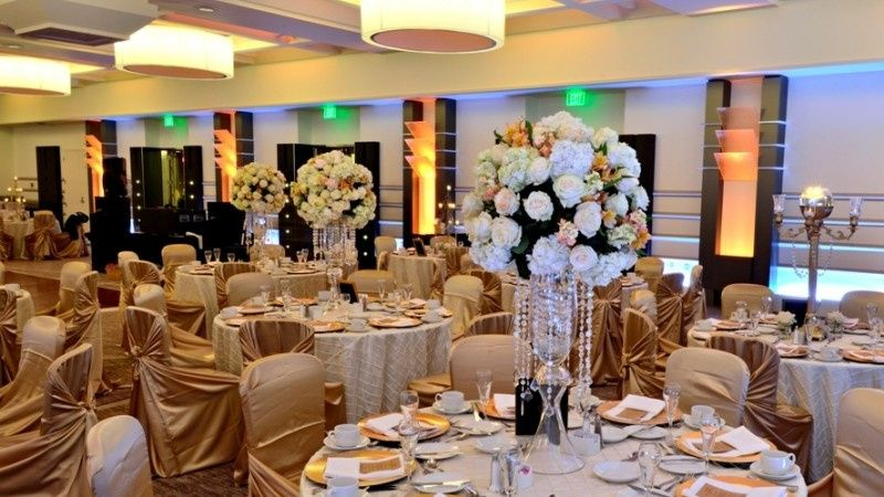 peach wedding room