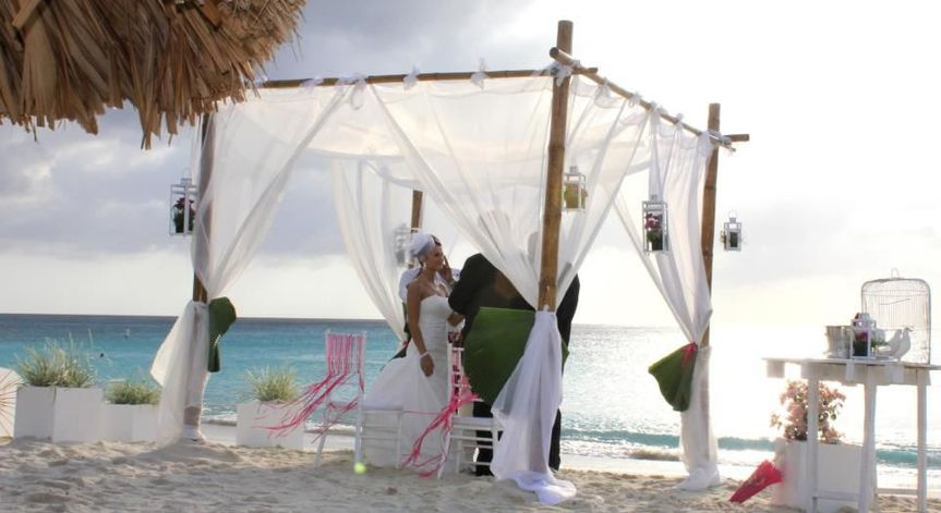 Destination Beach Wedding / Gazebo By Inspiracion Curacao