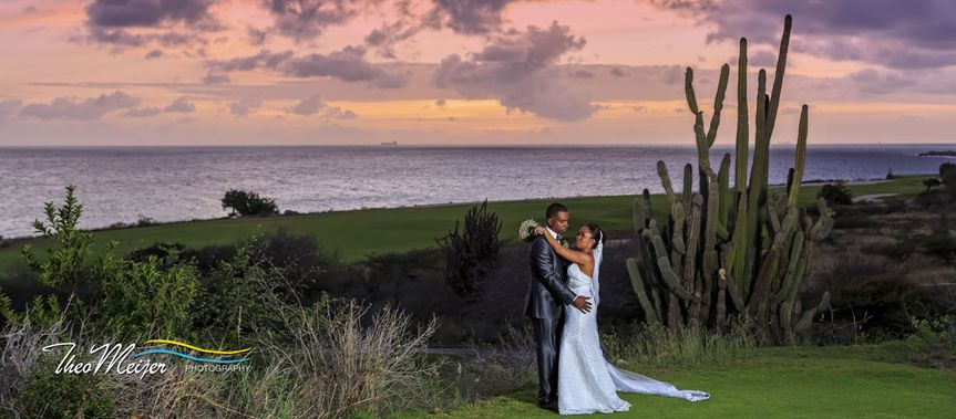 Wedding Photoshoot at the Golf court of the Santa Barbara Resort