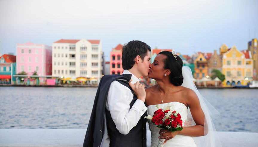 Wedding Photoshoot in Curacao's iconic downtown