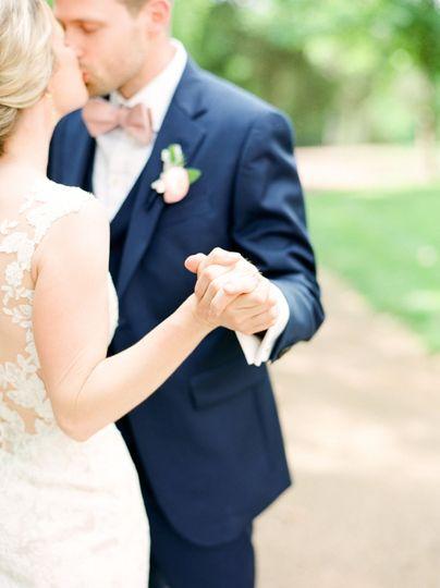 f2b86a5a91f647f6 1530208400 02a9c8d940aed5c3 1530208393436 24 Riggs Wedding 185