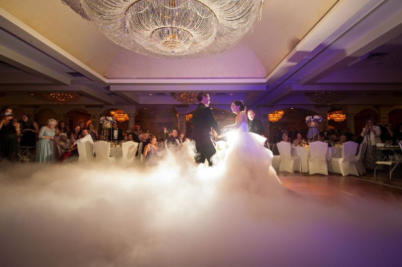 1st dance with dry ice