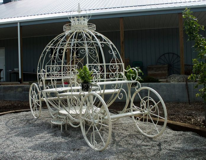 Stationery wedding carriage for photo ops