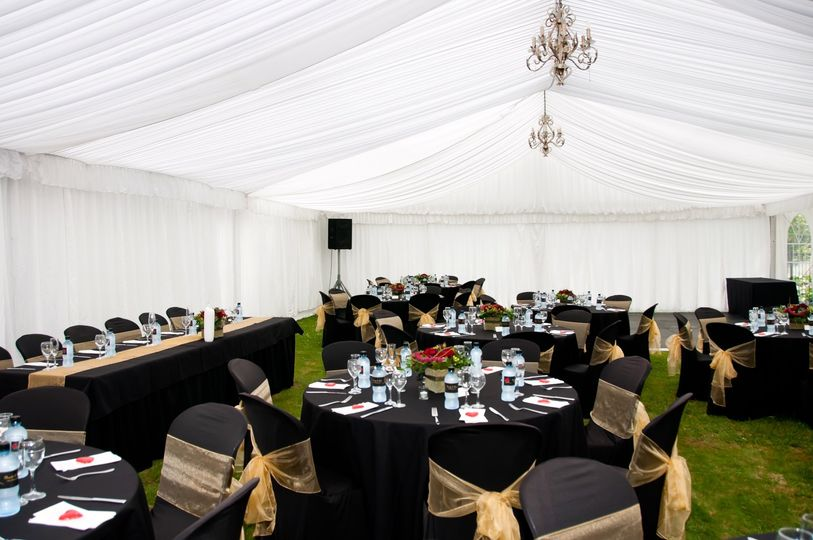 Tent with black/gold