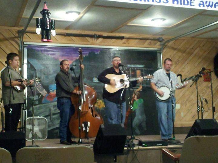 Paul Bryant & Kentucky Border's guitarist